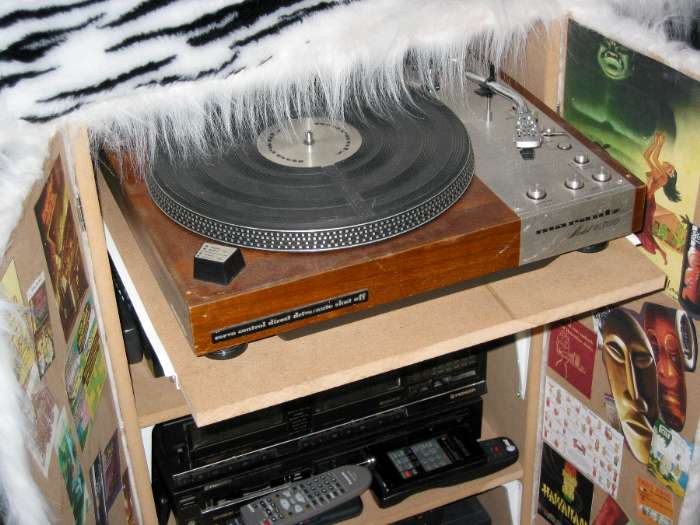 Turntable Shelf